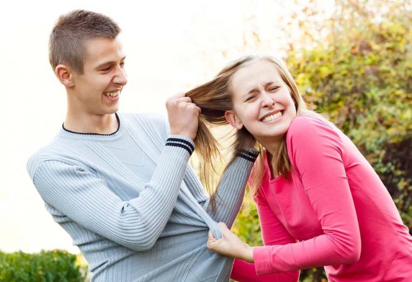 Hal Yang Dipikirkan Abang Ketika Adiknya Punya Pasangan